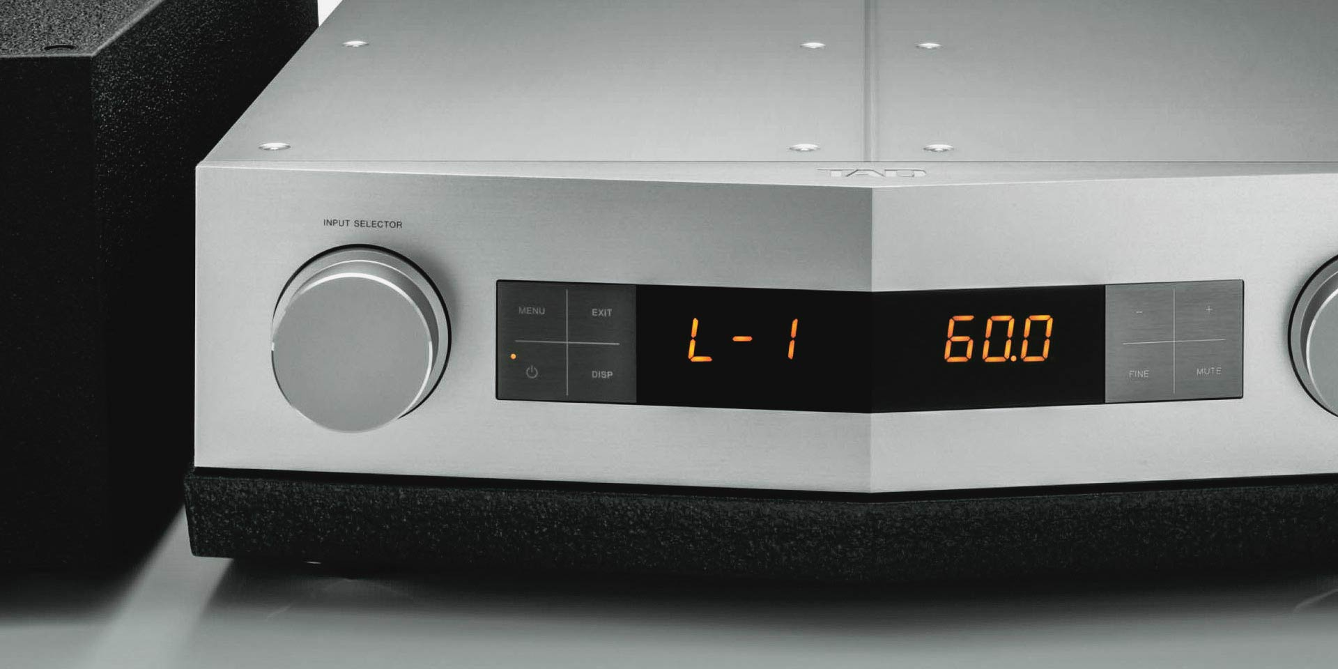 TAD Reference C600 PreAmplifier
