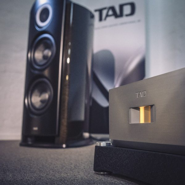 TAD Reference R1TX & M700S // HiFi Galerie