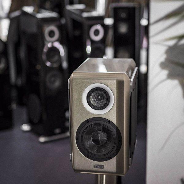 TAD ME1 und E1TX Lautsprecher