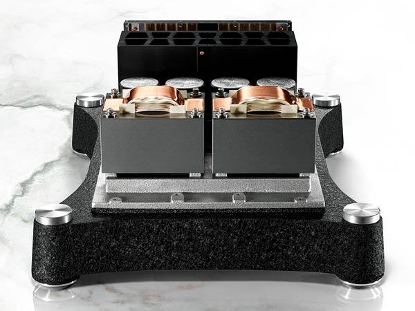 TAD M700 Inside